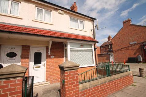 Crescent Road, Middlesbrough. 2 bedroom end of terrace house