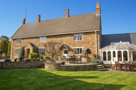 Banbury Road, Chacombe, Banbury, Oxfordshire, OX17. 6 bedroom detached house for sale