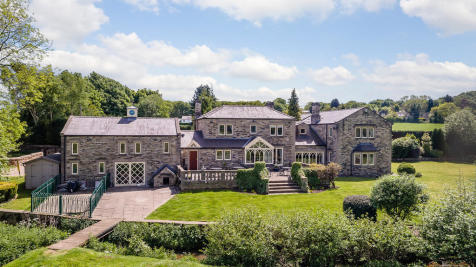 Gillroyd Lane, Stainborough. 5 bedroom detached house