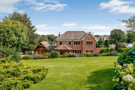 Beever Close, Gawber, Barnsley. 5 bedroom detached house for sale
