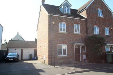 Angmering, Littlehampton. 4 bedroom semi-detached house