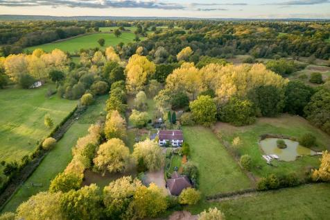 WORPLESDON/GUILDFORD. 6 bedroom detached house for sale