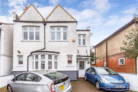 Dudley Road, Finchley, London, N3. 4 bedroom detached house for sale