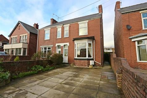 Ashgate Road, Ashgate, Chesterfield, Derbyshire. 3 bedroom semi-detached house