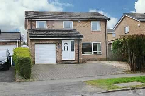 Moorland View Road, Walton, Chesterfield, Derbyshire. 4 bedroom detached house