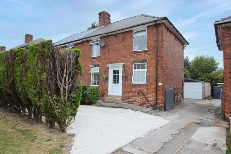 Gloucester Road, Newbold, Chesterfield, Derbyshire. 4 bedroom semi-detached house