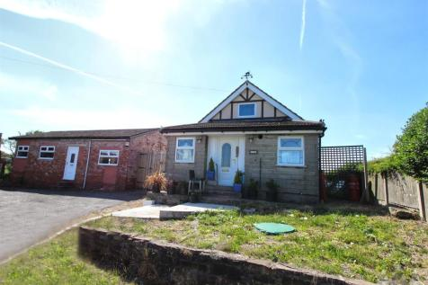 Chesterfield Road, North Wingfield, Chesterfield, Derbyushire. 3 bedroom detached bungalow