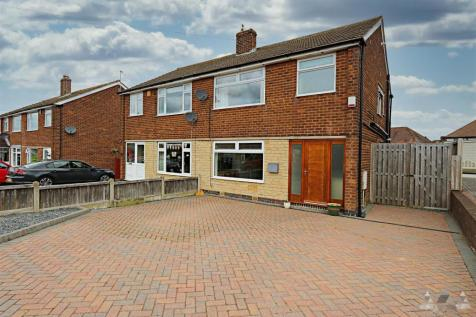 Larch Way, Chesterfield, Derbyshire. 3 bedroom semi-detached house