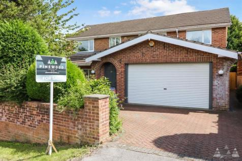 Selby Close, Chesterfield, Walton, Chesterfield, Derbyshire. 5 bedroom detached house