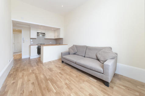 Fulham Road, Chelsea. 2 bedroom apartment