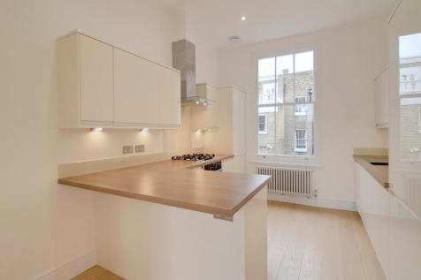 Langton Street, Chelsea. 2 bedroom apartment