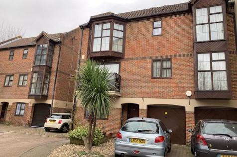 Hathaway Court, The Esplanade. 1 bedroom house share