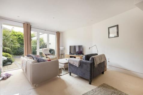 Stables Yard, Southfields, SW18. 2 bedroom house