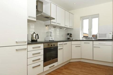 St. Georges Way, Camberwell, London, SE15. 2 bedroom apartment