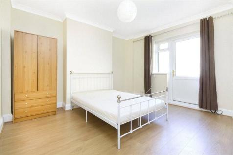 Congreve Street, London, SE17. 3 bedroom property