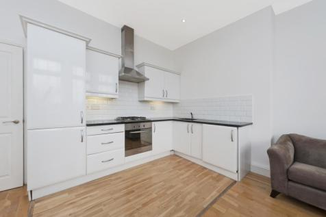 Loughborough Road, Stockwell, London, SW9. 2 bedroom apartment