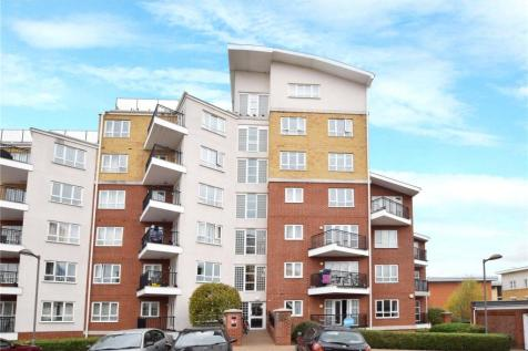 Omega Court, The Gateway, Watford, Hertfordshire, WD18. 2 bedroom apartment