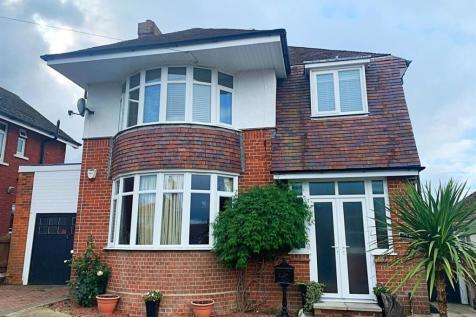 St. Georges Avenue, Weymouth. 3 bedroom detached house for sale