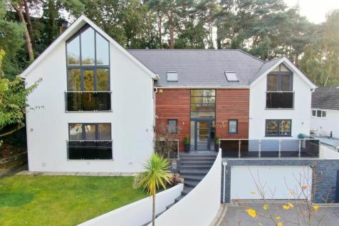 Links Road, Lower Parkstone, Poole. 5 bedroom detached house