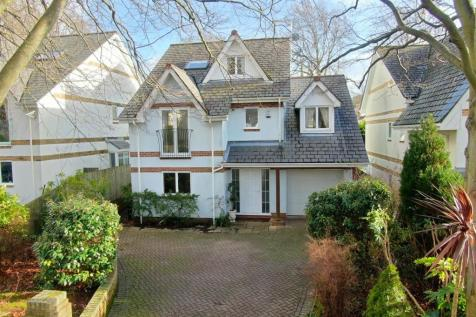 Brownsea View Avenue, Lilliput. 4 bedroom detached house