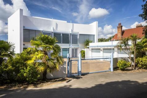 Alington Road, Evening Hill, Poole. 3 bedroom duplex