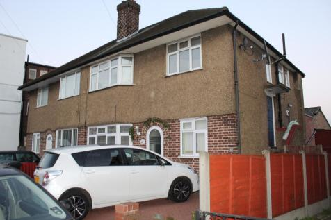 Eaton Road, EN1. 2 bedroom maisonette