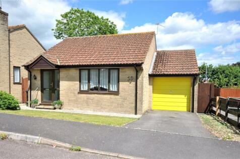 Manor Farm, Chard, Somerset, TA20. 2 bedroom bungalow