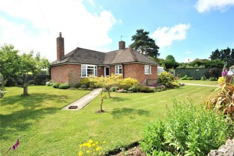 Maudlin, Winsham, Chard, Somerset, TA20. 2 bedroom bungalow