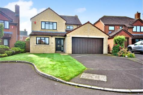 Toms Close, Chard, Somerset, TA20. 4 bedroom detached house