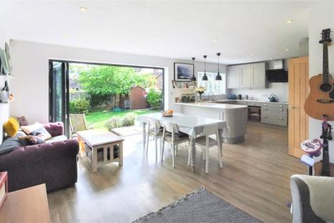 Haines Park, Taunton, Somerset, TA1. 4 bedroom detached house for sale