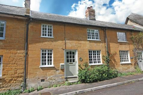 South Street, Hinton St. George, Somerset, TA17. 2 bedroom terraced house