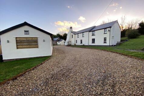 Pentwyn, Abersychan. 4 bedroom detached house for sale