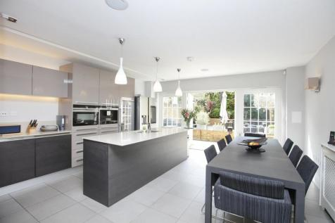 Camberwell Grove, Camberwell, SE5. 5 bedroom terraced house for sale
