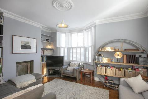 Rainbow Street, Camberwell, SE5. 4 bedroom end of terrace house for sale