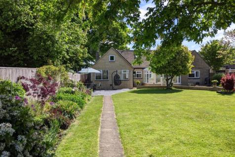 Shipton-Under-Wychwood, Oxfordshire. 4 bedroom detached house