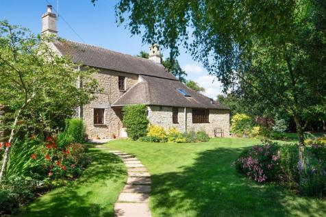 Ascott-Under-Wychwood, Oxfordshire. 4 bedroom detached house
