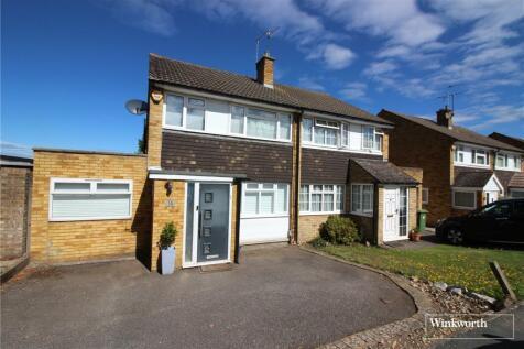 Chandos Road, Borehamwood, Hertfordshire, WD6. 3 bedroom semi-detached house