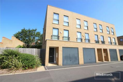 Horizon Place, Studio Way, Borehamwood, Hertfordshire, WD6. 3 bedroom end of terrace house