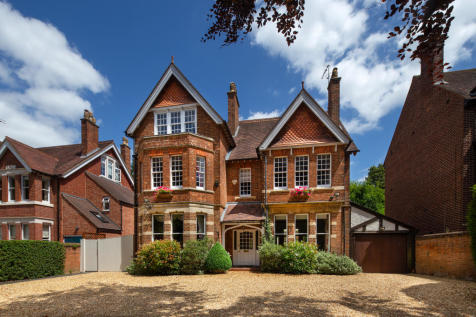 Banbury Road, Oxford, Oxfordshire, OX2. 6 bedroom town house