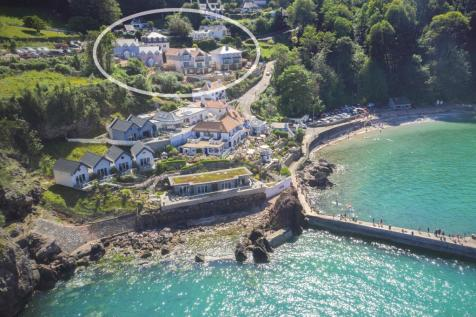 Beach Road, Torquay, Devon, TQ1. 3 bedroom property for sale