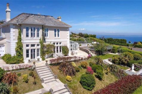 Cliff Road, Mevagissey, St. Austell, Cornwall, PL26. 7 bedroom detached house