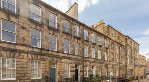 Broughton Place, Edinburgh, Midlothian, EH1. 3 bedroom flat