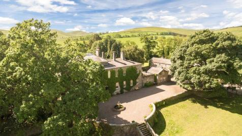 A house and three cottages in Alnwick, Northumberland, NE66. 8 bedroom detached house for sale