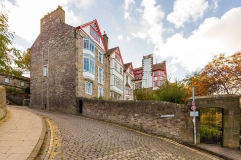 Ramsay Garden, Edinburgh, EH1. 2 bedroom flat for sale