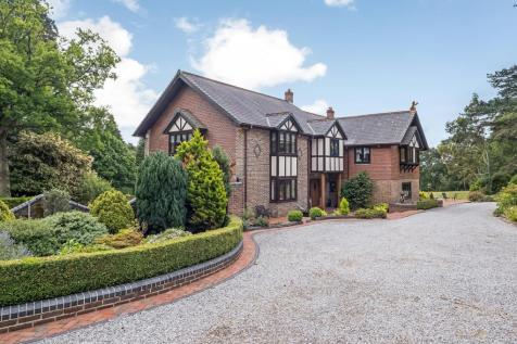 Chilworth, Southampton, Hampshire, SO16. 7 bedroom detached house