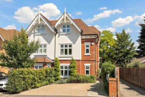 Coplestone Chase, Cranley Road, Guildford, Surrey, GU1. 4 bedroom semi-detached house