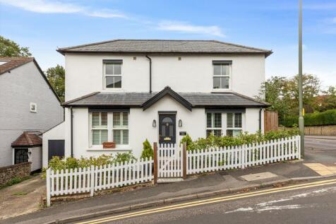 Harvey Road, Guildford, Surrey, GU1. 3 bedroom detached house