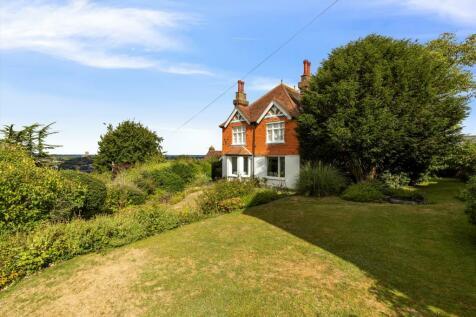 Pewley Hill, Guildford, Surrey, GU1. 3 bedroom maisonette