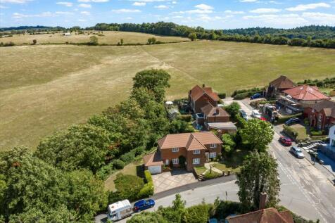 Pewley Way, Guildford, Surrey, GU1. 4 bedroom detached house