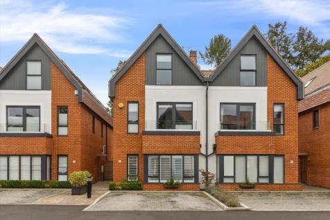 Catherine's Place, Chestnut Avenue, Guildford, GU2. 4 bedroom town house for sale
